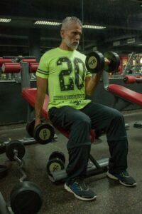 Bodybuilding Workouts Over 40 - dumbbells